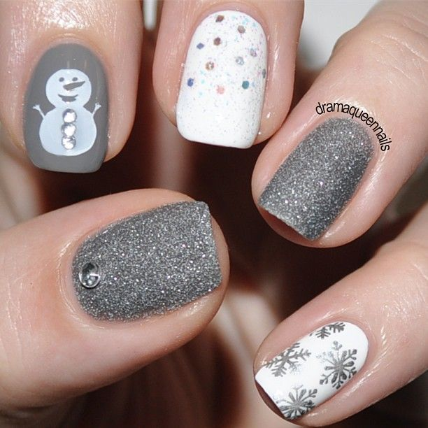 Last-Minute-Christmas-Nail-Art-Hacks-n-Tricks (44)