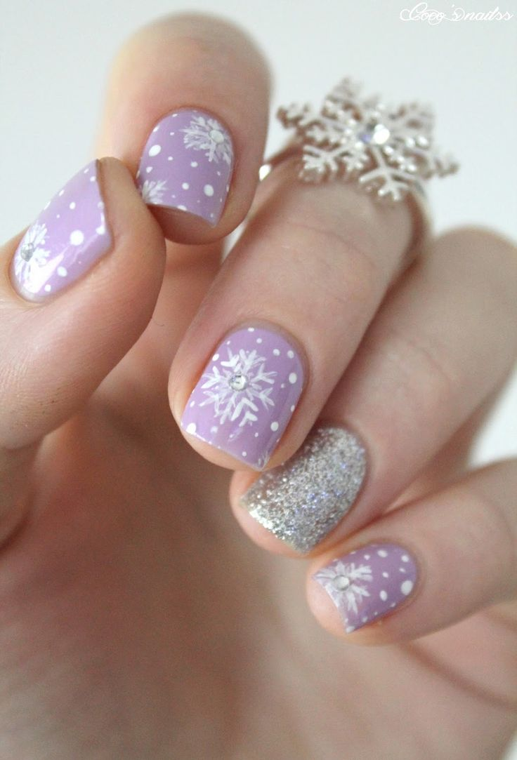 Last-Minute-Christmas-Nail-Art-Hacks-n-Tricks (52)