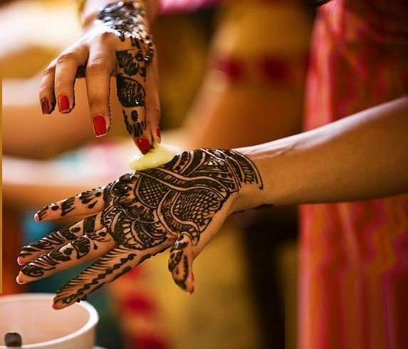 Tips-to-make-henna-or-mehndi-darker (4)