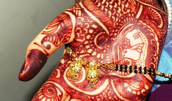 very dark mehndi design