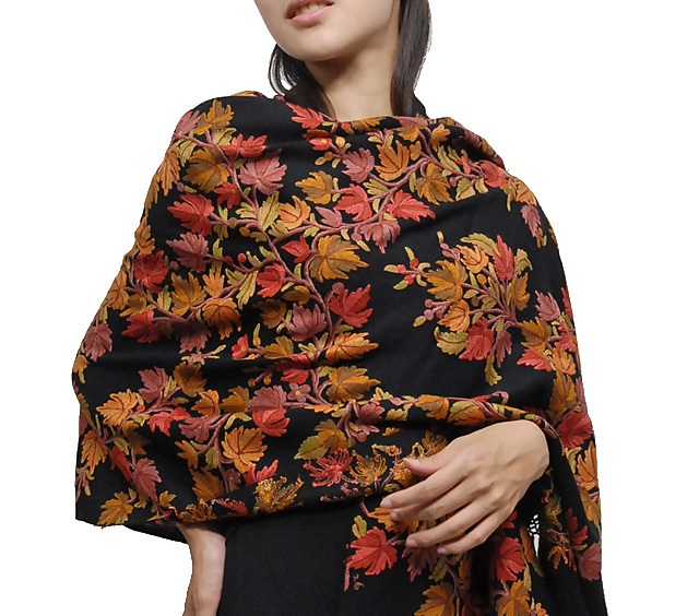 Designer-Embroidered-Kashmiri-Shawls-by-Farah-Khan (2)