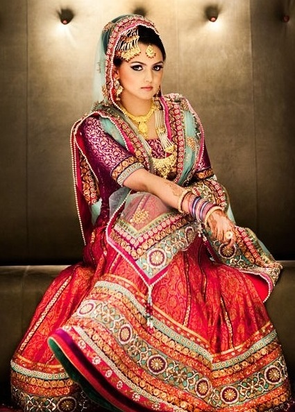 Indian-Bridal-Dupatta-Setting-Styles-and-Trends (9)