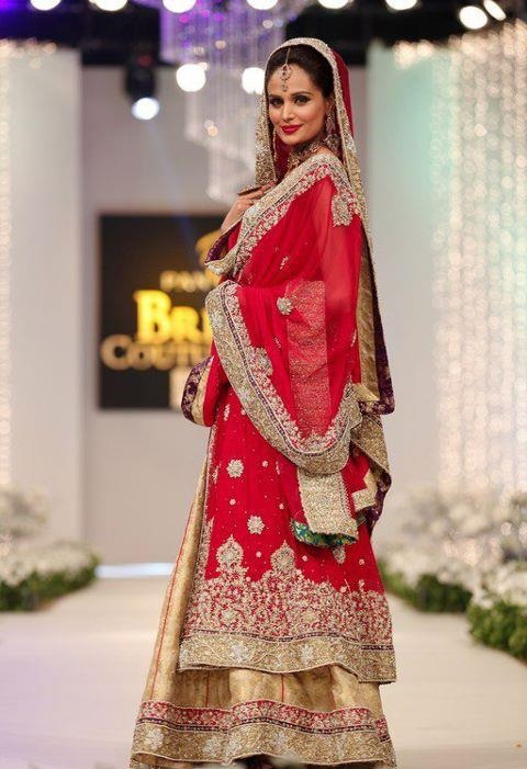 Pakistani-Bridal-Dupatta-Setting-Styles-and-Trends (16)