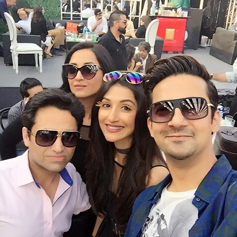 Asim-jofa-pictures-with-freids-and-family (9)