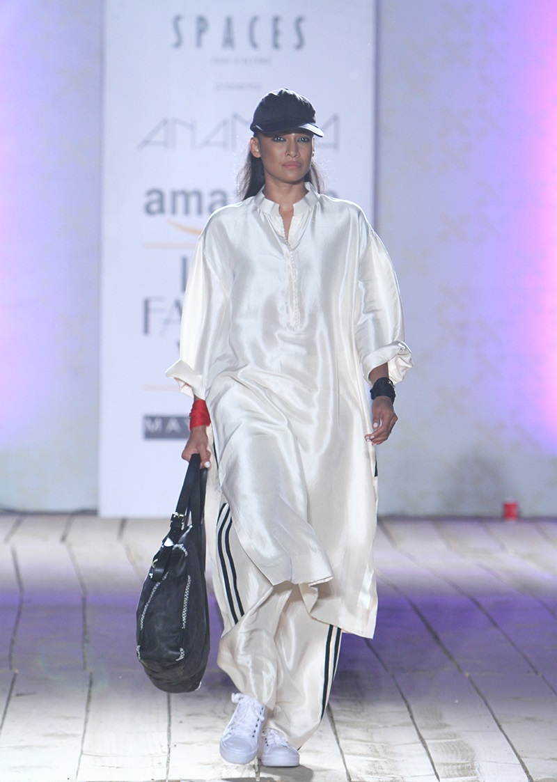 AnaMika-Summer-2016-2017-at-Amazon-India-Fashion-Week (1)