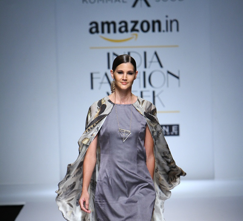 Kommal-Sood-summer-2016-2017-at-Amazon-India-Fashion-Week