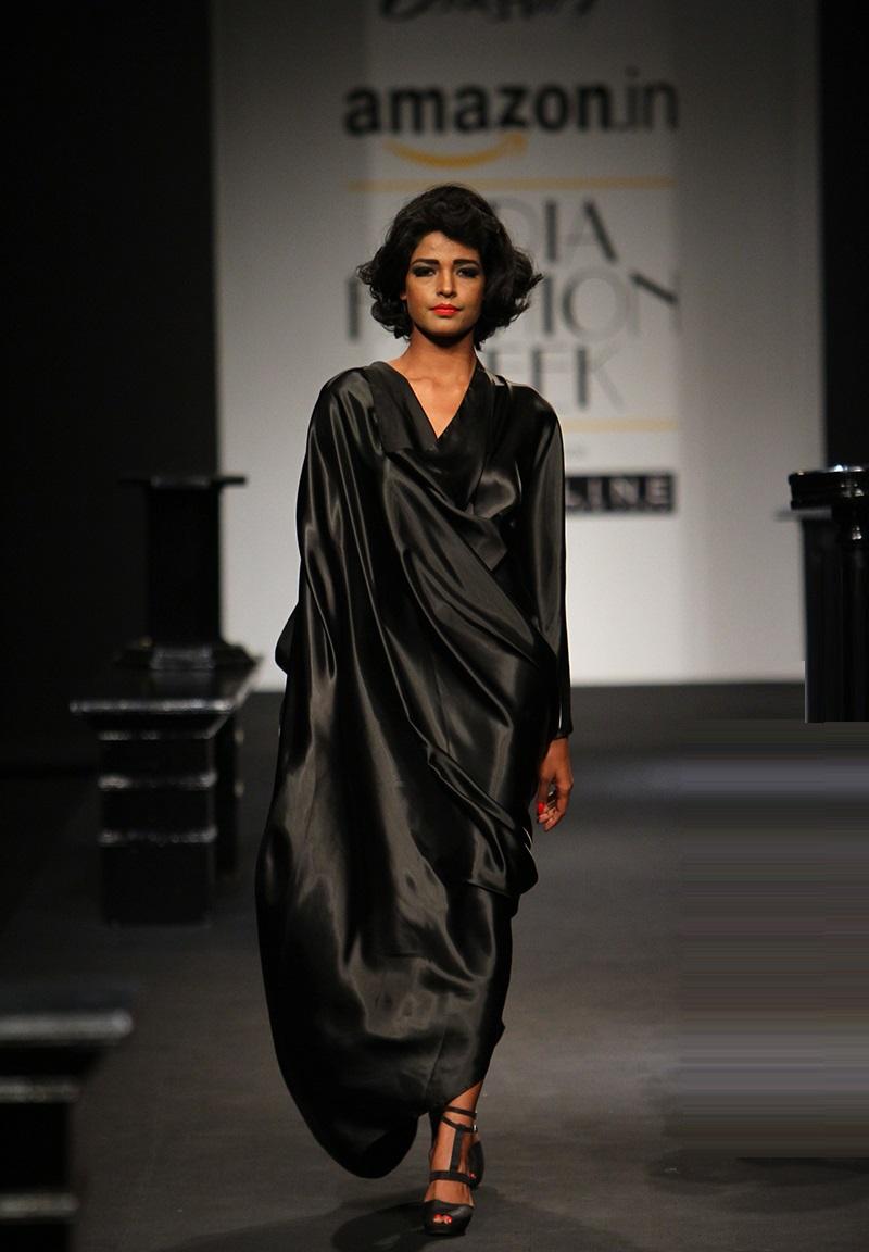 Prashant-Verma-summer-2016-2017-at-Amazon-India-Fashion-Week (1)