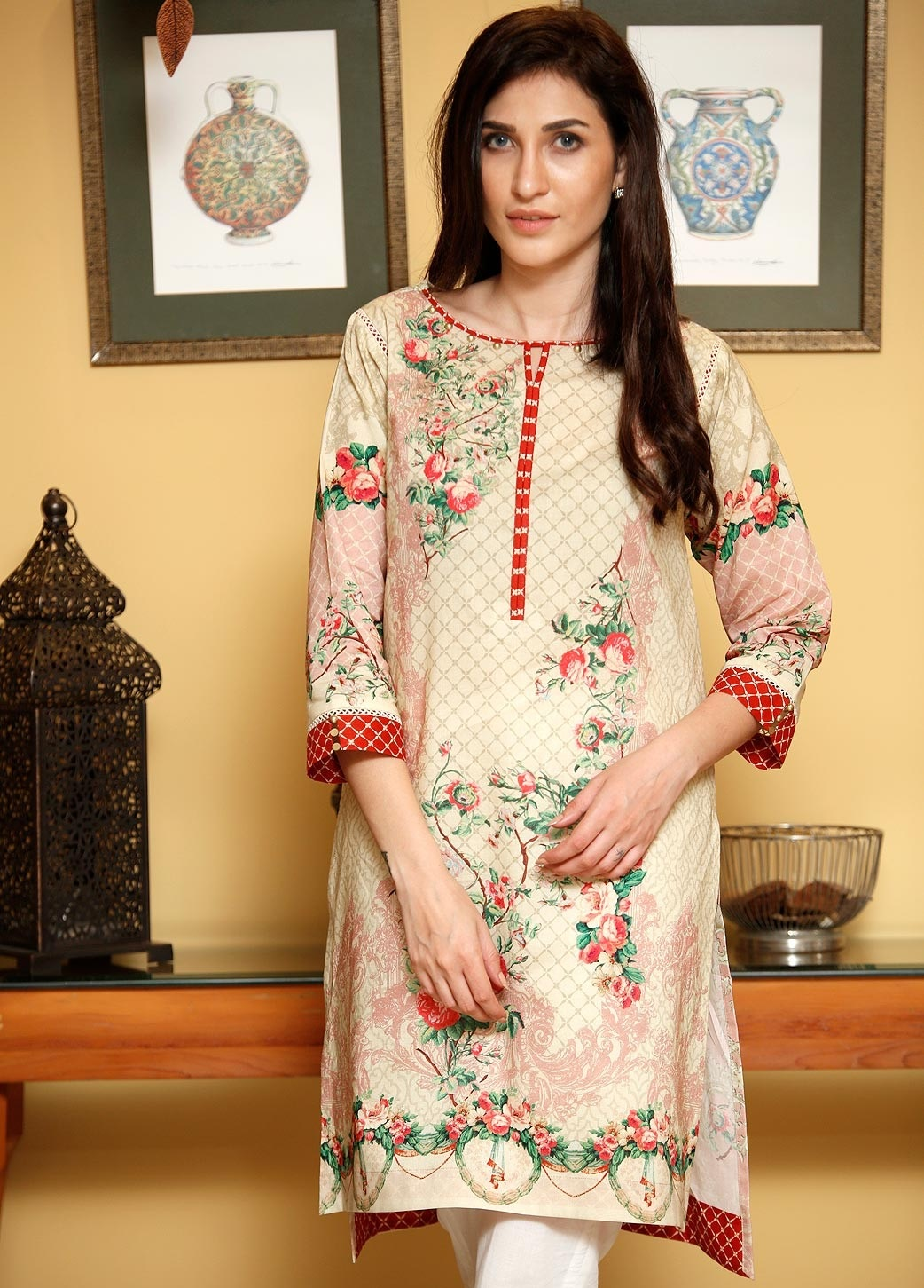 Desert Rose beige color with bright red contrast by Zeen winter collection