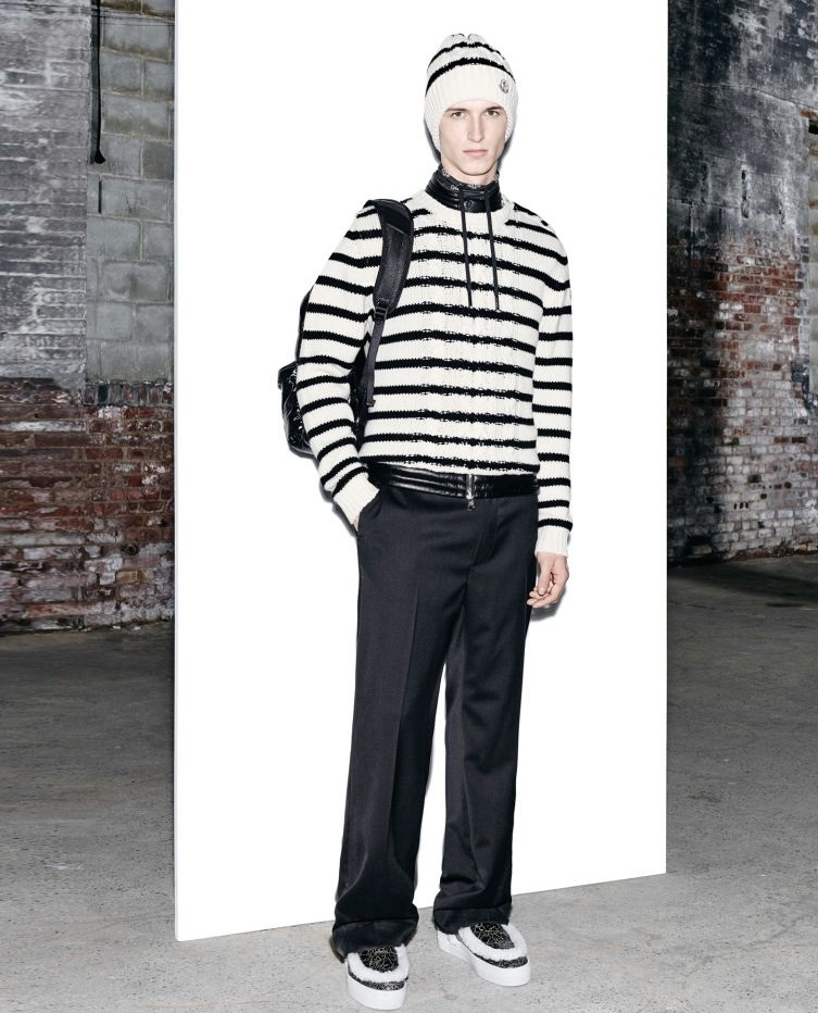 Moncler black and white stripped sweatshirt