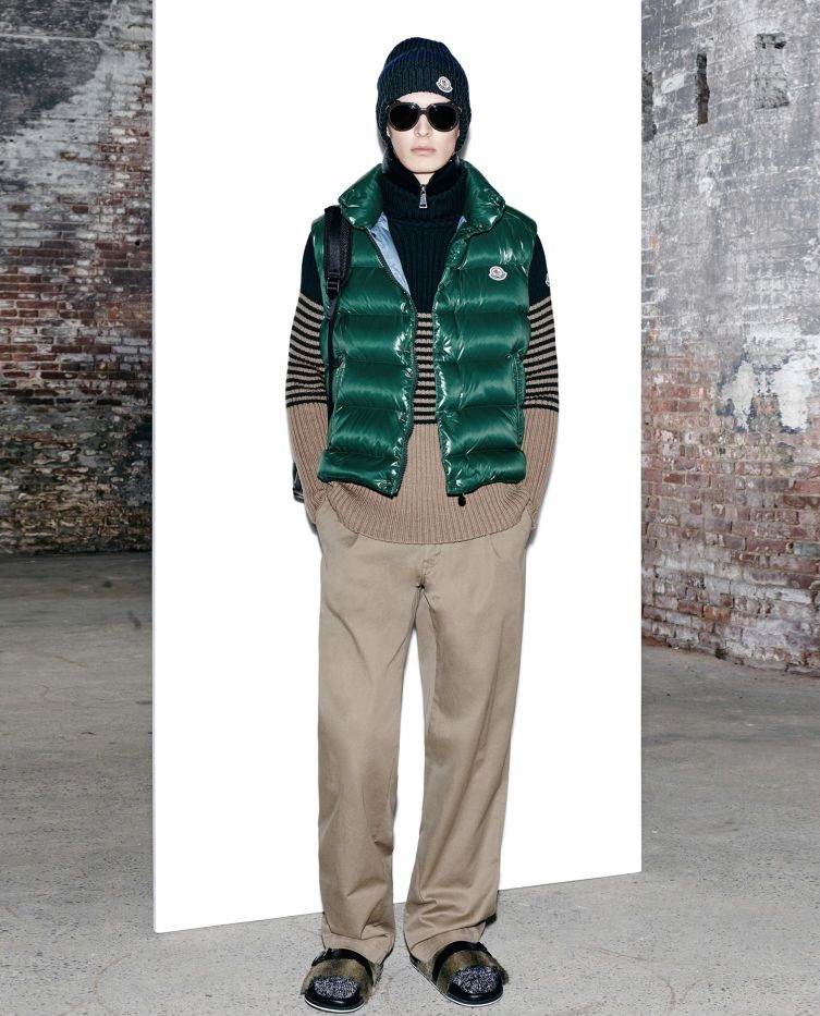 Moncler emerald green sleeveless winter jacket