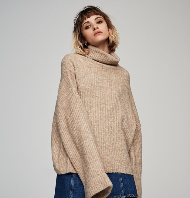 Pull & Bear warm highneck pullover sweater