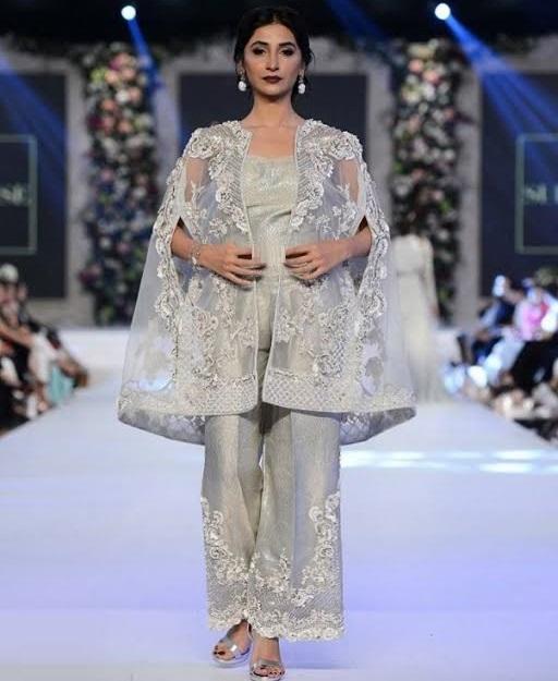 Pakistani Cape Style Dresses 2017-2018 Trends For Parties