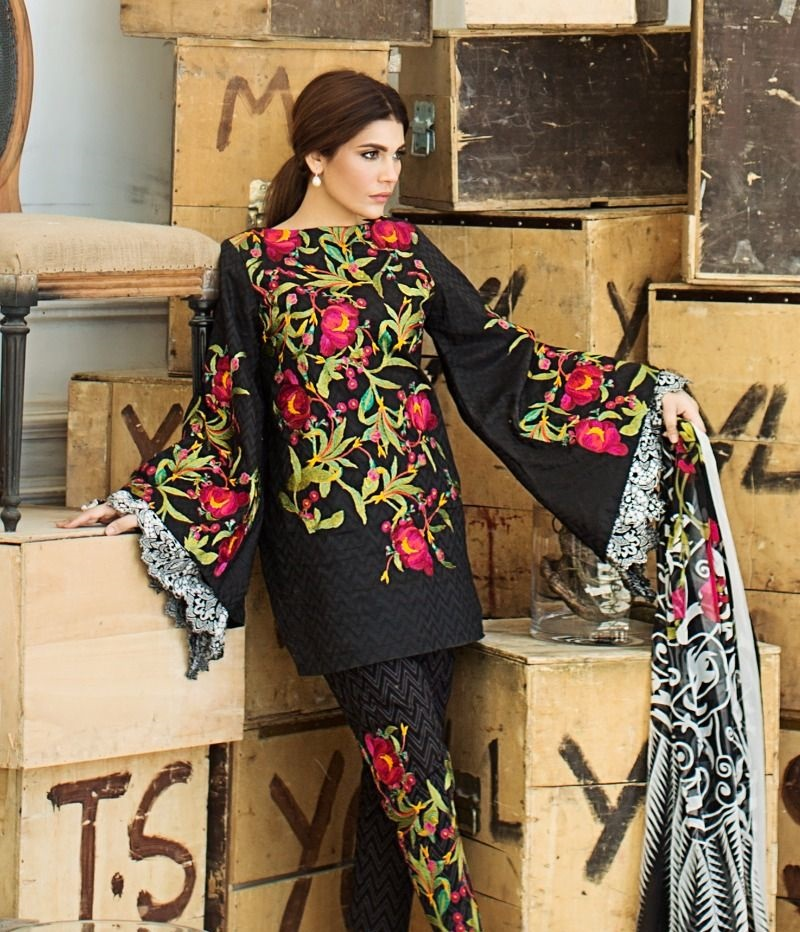 Sana Safinaz dramatic cascading floral embroidered Woven Jacquard shirt with chiffon dupatta