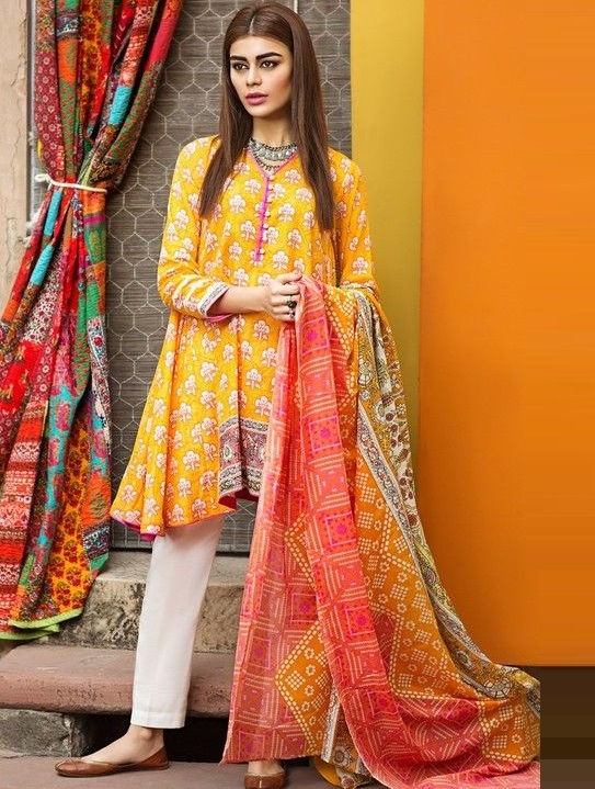 Sadaf Kanwal in Medium length lawn frock