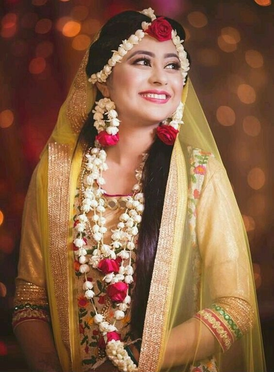 Fresh Floral Jewelry for mehndi brides