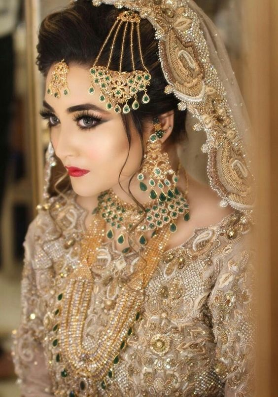 Beautiful Filigree Bridal Jewellery with green pearls