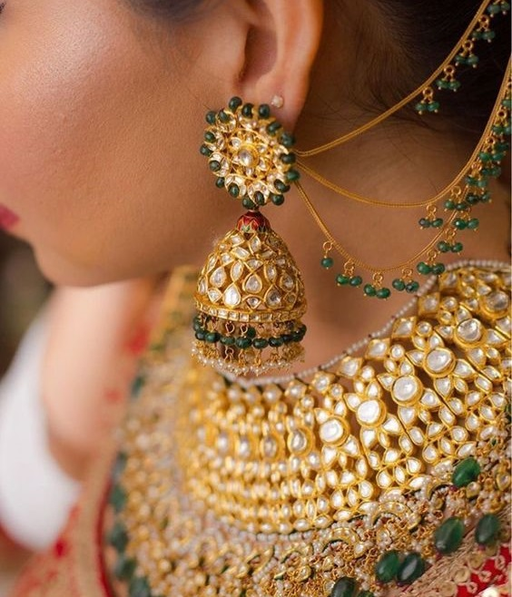Beautiful Kundan jewelry for brides