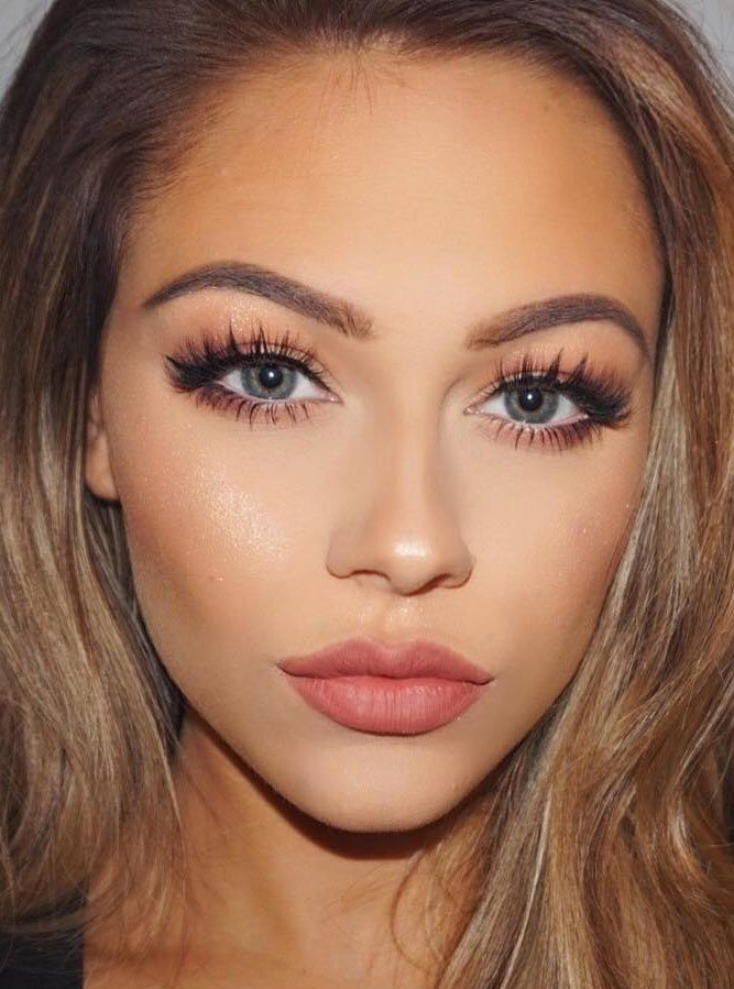 Makeup for grey colored eyes