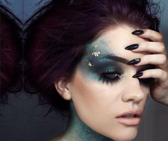 The Halloween Night queen makeup