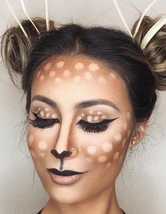 The brown reindeer Look at Halloween