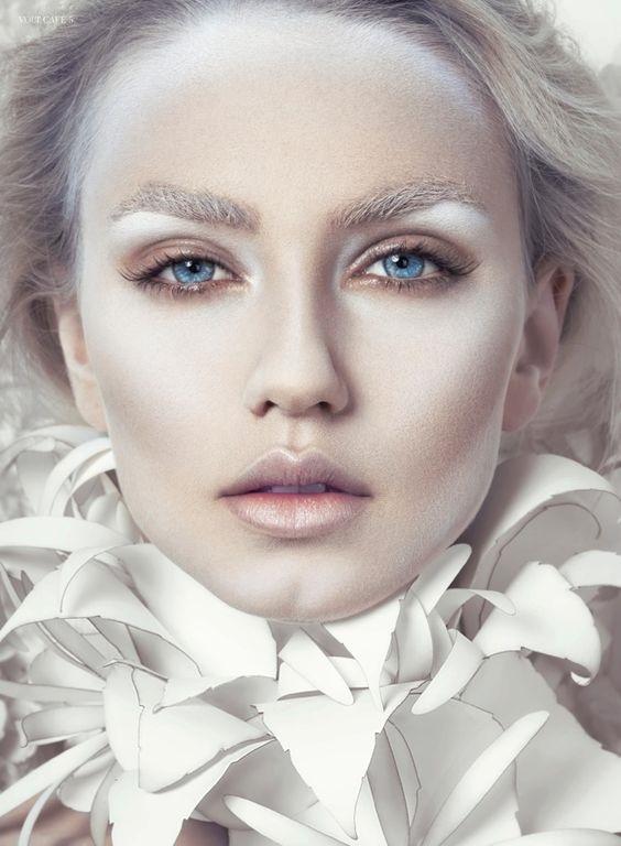 The Snow queen makeup for Halloween night