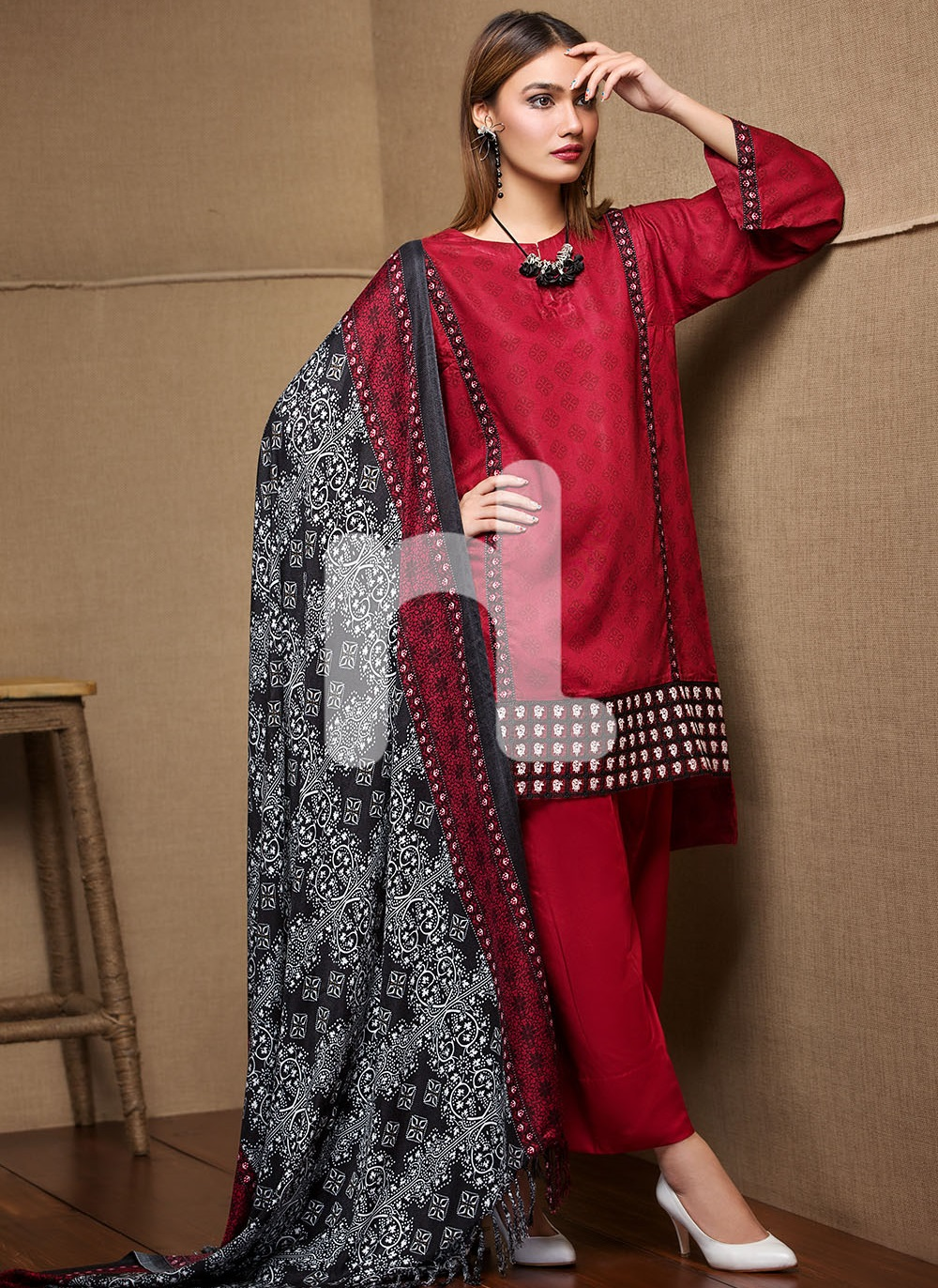 Red embroidered linen 3-piece winter dress