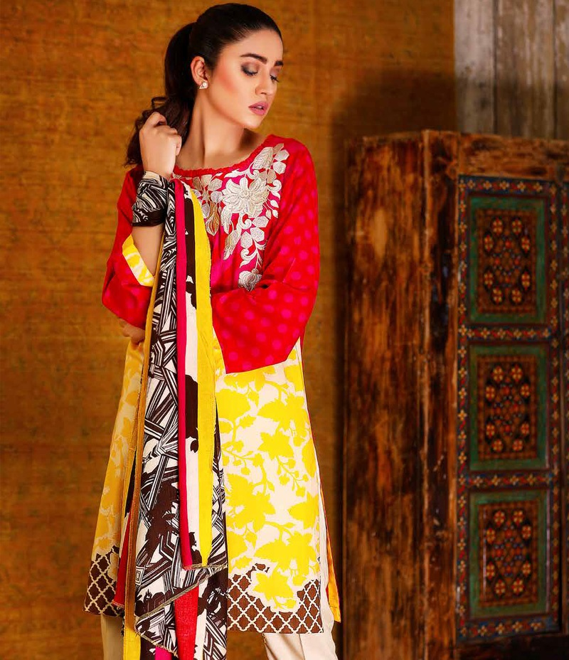 Stricking red winter dress with yellow contrast