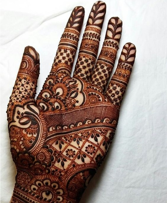 Intricate shaded mehndi designs (2)