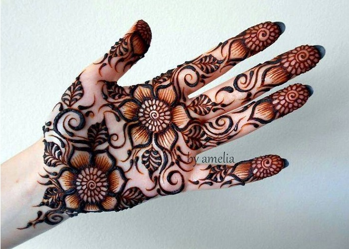 Intricate shaded mehndi designs (3)