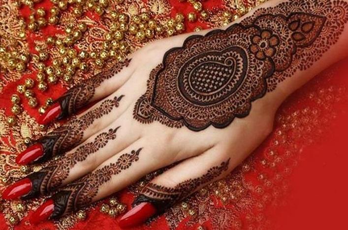 Intricate shaded mehndi designs (4)