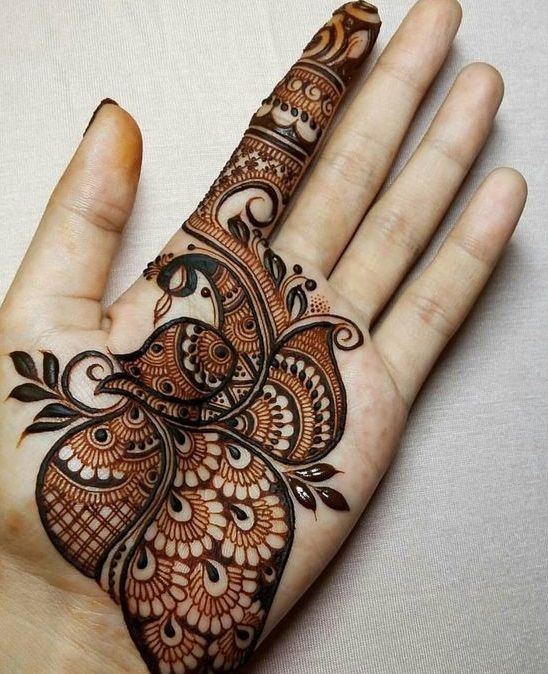 Shaded mehndi designs with motifs (1)