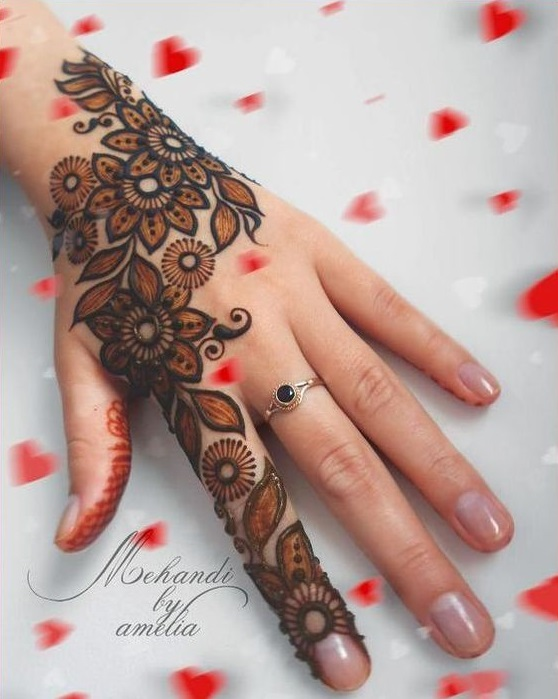Shaded mehndi designs with motifs (4)