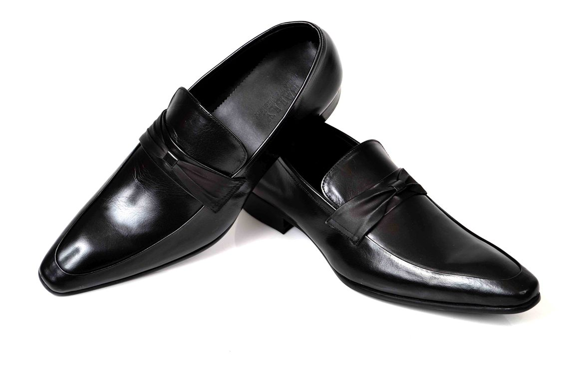 winter-collection-for-men-by-metro-shoes