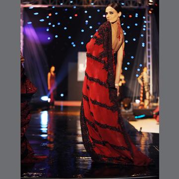 backless-saree