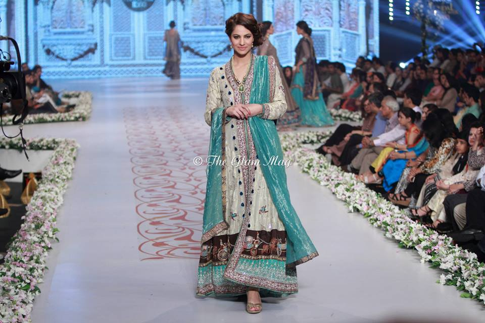 Bridal-Dresses-collection-by-Nida-Azwer-Panteen-Bridal-Couture-Week-2014 (12)