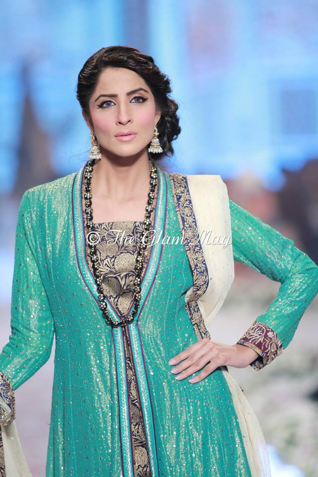 Bridal-Dresses-collection-by-Nida-Azwer-Panteen-Bridal-Couture-Week-2014 (8)