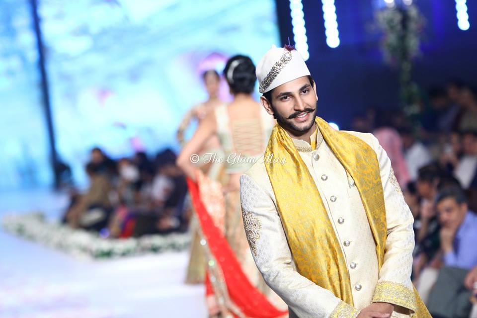 Deepak-Perwani-Bridal-Collection-at-Pantene-Bridal-Couture-Week-2014-1 (10)