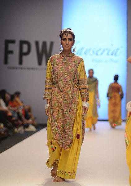Kayseria-Magic-in-Print-Fashion-Pakistan-Week-2014-@stylesglamour-com (3)