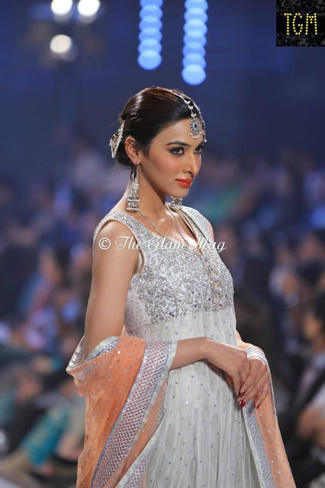 Zainab-Chottani-Bridal-Collection-at-Panteen-Bridal-Couture-week-2014 (5)