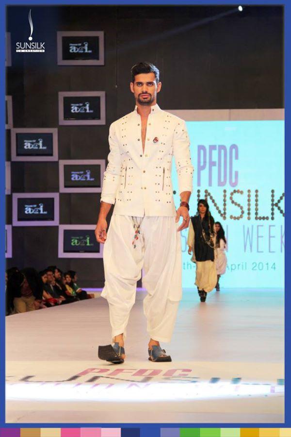 cargwar-by-arsalan-iqbal-pfdc-sunsilk-fashion-week-2014-@stylesglamour (17)