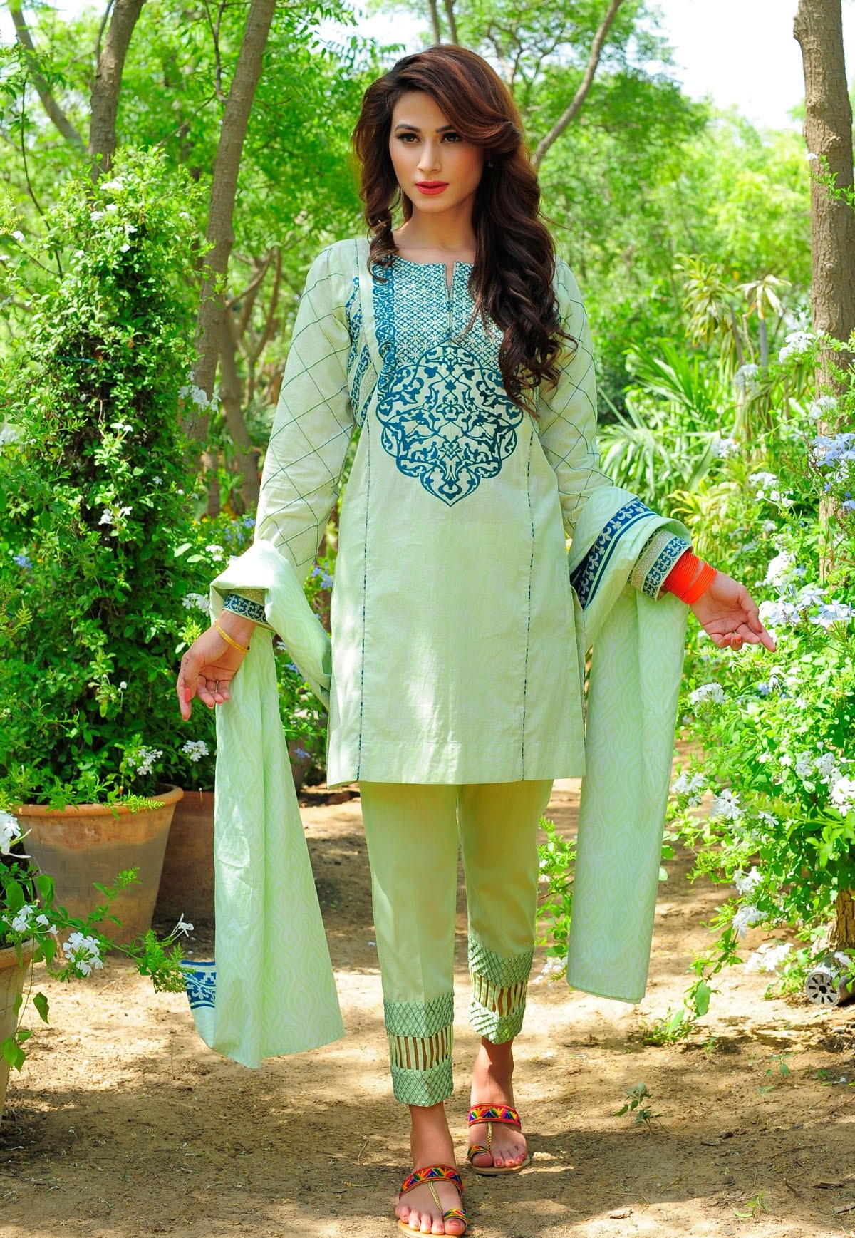 Bonanza-Satrangi-Eid-Collection-2016-2017 (27)