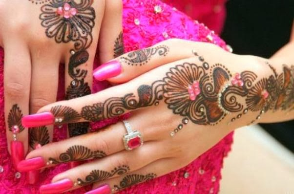 Bridal mehndi design with beads