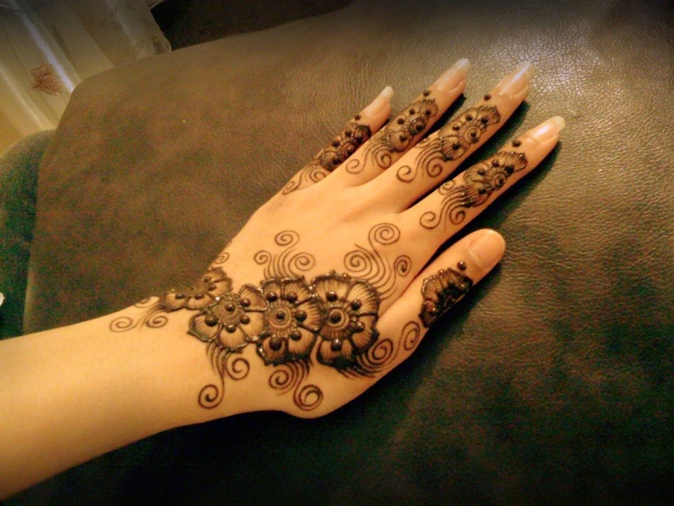 The Latest Pakistani Mehndi Designs 2016-2017 for all