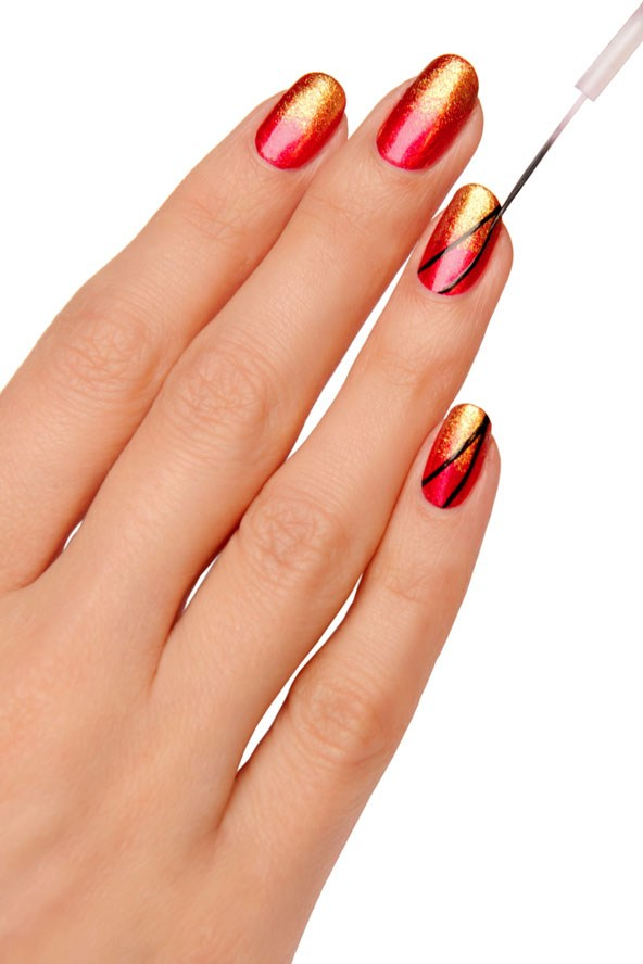 Easy-Nail-Art-Tutorial-step-by-step-by-Glamour-magazine (3)