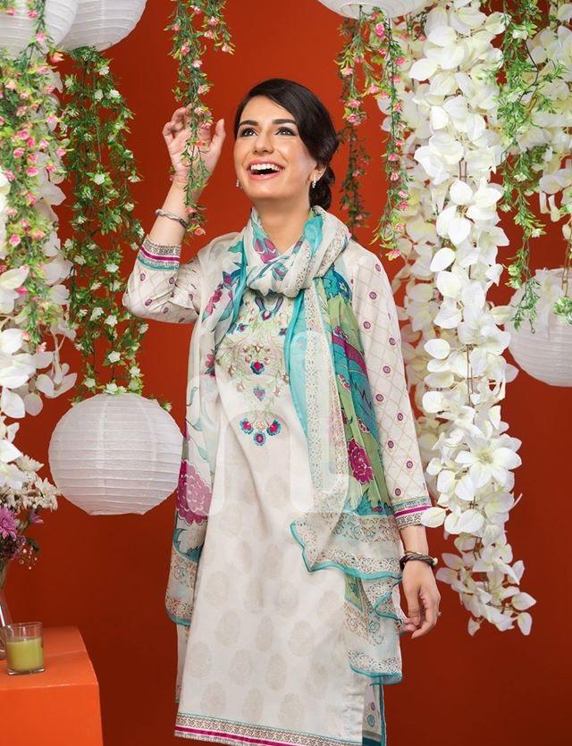 Nishat-Eid-Dresses-2016-2017-by-Nisha (27)