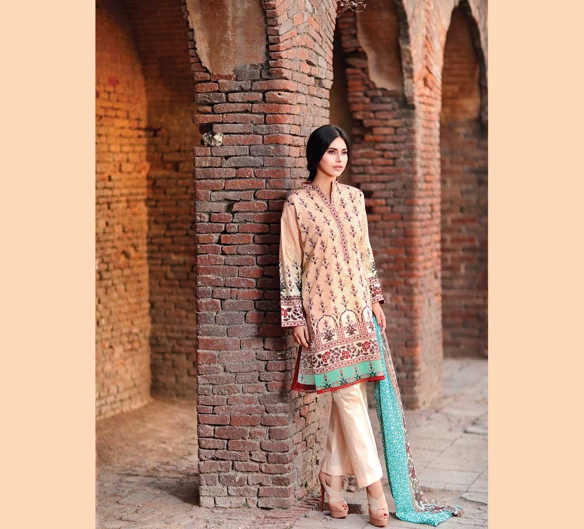 Warda-Eid-Dresses-2016-2017-Catalog (20)