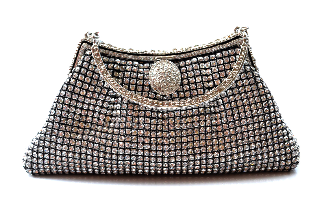Bridal-Clutches-by-Metro (1)