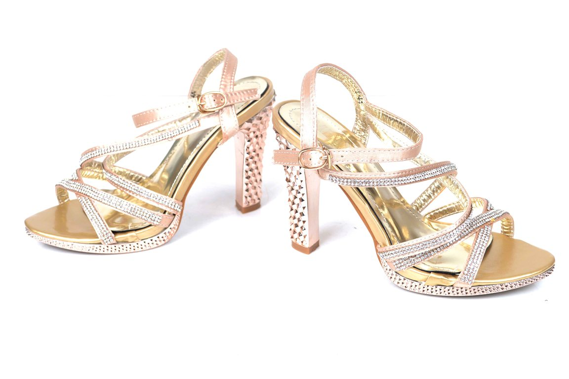 Bridal-shoes-by-metro (1)
