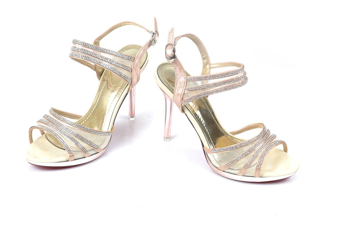 Bridal-shoes-by-metro (15)