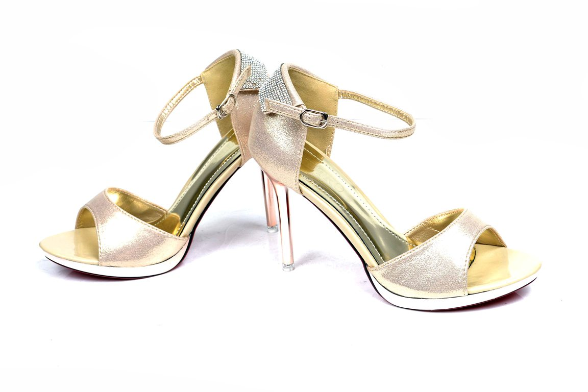 Bridal-shoes-by-metro (29)